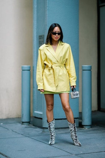 AUS yellow