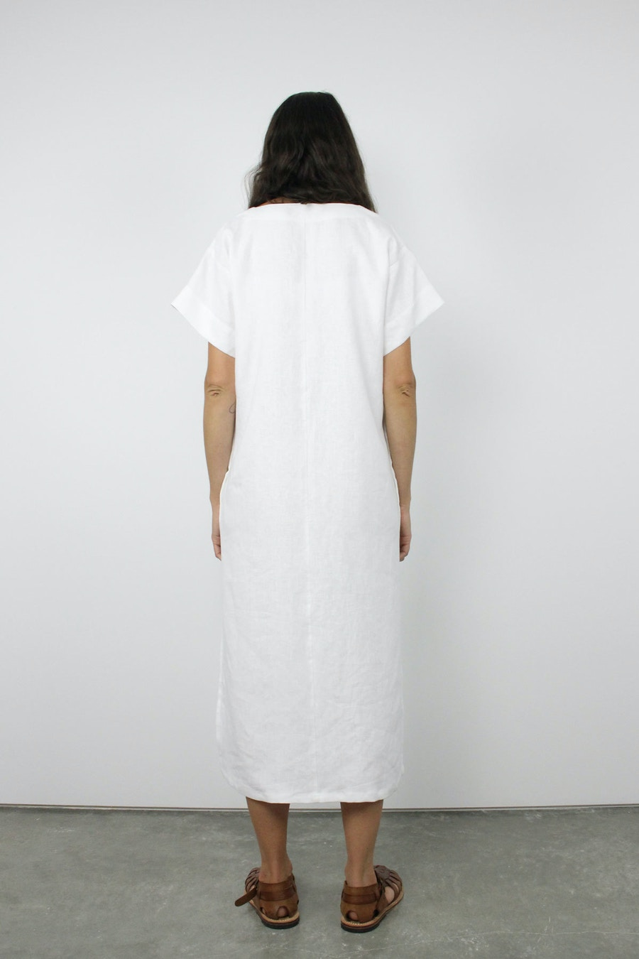 Adelia dress the hemming pattern back white linen fabric by the fabric store